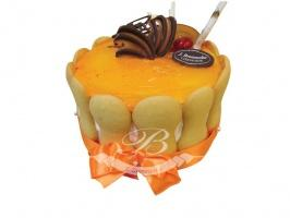 Tort pomarańczowo-czekoladowy - Pomarańczowo-czekoladowe połączenie wykonane na śmietanie kremówce, ze zmiksowanymi owocami.