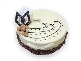 Tort adwokatowo-orzechowy - Klasyczny tort składający się z biszkoptu orzechowego nasączonego alkoholem,<br> przełożone tradycyjnym kremem adwokatowym na maśle i lekkim kremem orzechowym.