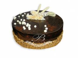 Tort wenecki - Wytworny tort składający się z kakaowych biszkoptów w towarzystwie musu czekoladowego<br> na śmietanie i lekkiego musu o smaku tiramisu.